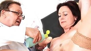 Mama brunette piss hole exam